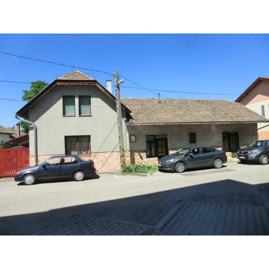 Eladó családi ház Jász-Nagykun-Szolnok megye, Mezőtúr, Belváros