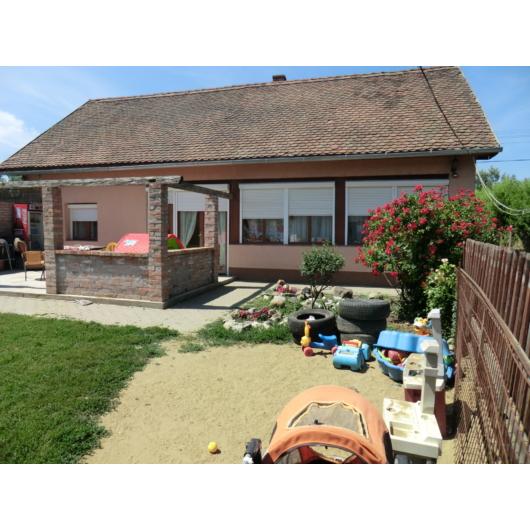 Eladó családi ház Jász-Nagykun-Szolnok megye, Mezőtúr, Belváros, Vágóhíd utca