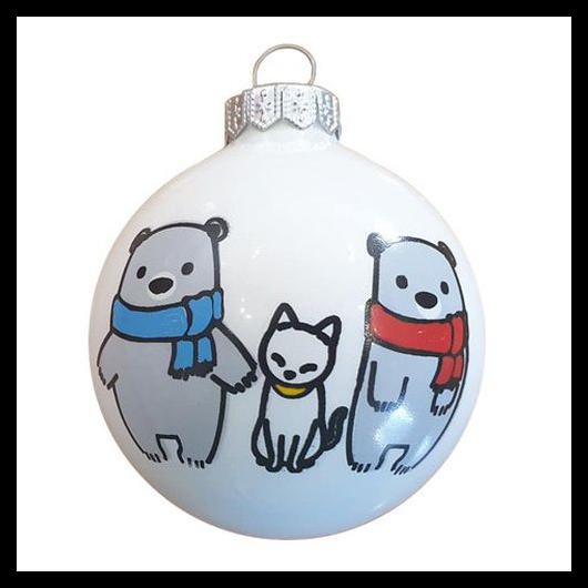Maci család cicával fényes fehér